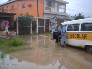 Cidade Garapu fica debaixo D'Água