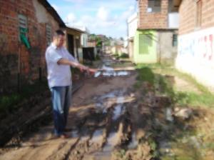 População cobrando providencias ao Vereador Ricardinho Foto PORTAL CABO